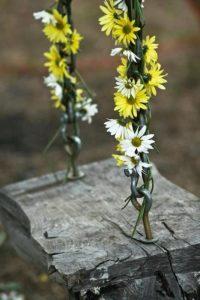 columpio con flores